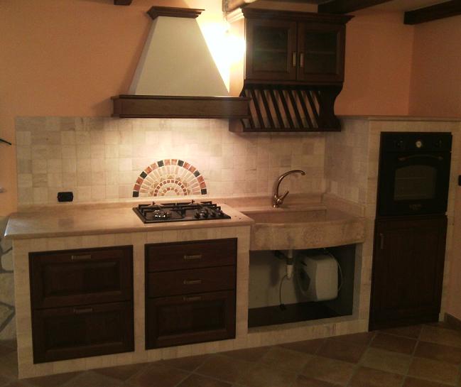 Cucina in muratura noce